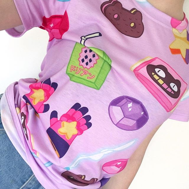 💖💜 Steven Universe Tee 💜💖 Coming down to the last few left online - won't be restocking this one so grab it while you can!  www.suckeredapparel.com ✨