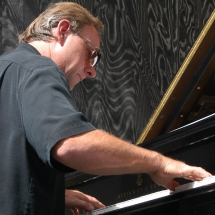 Terry_Lower_at_piano-detroit_intl_jazz_fest_2006_cropped_9-15-09--resized_for_cdbaby_11-24-09_1_215_215.JPG