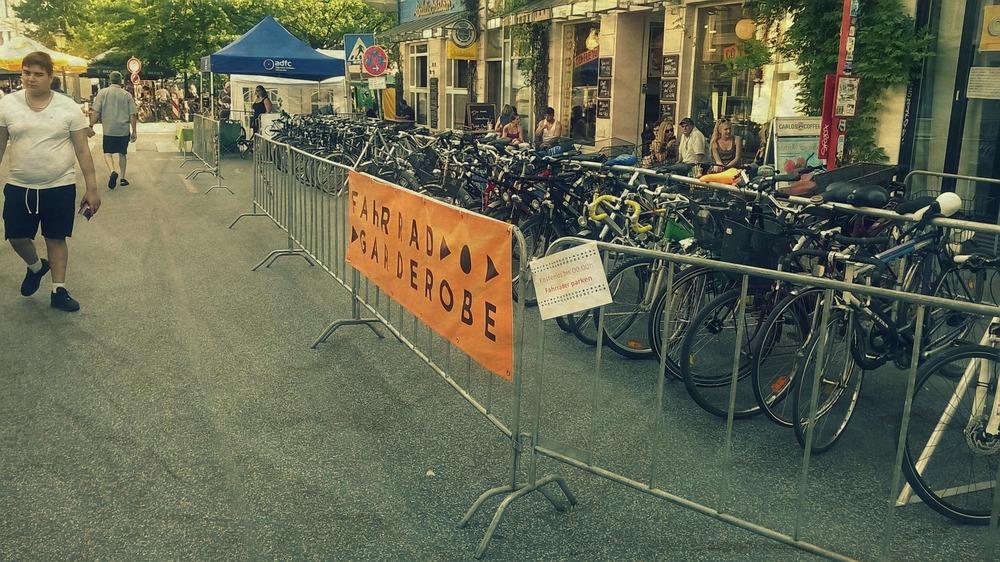 Altonale FahrradGarderobe.jpg