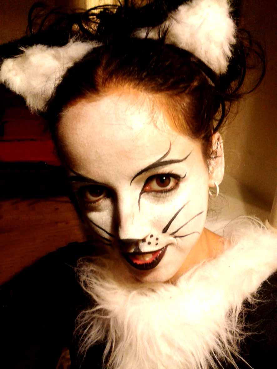 Justine Aerial Hoop Cat act Email .jpg