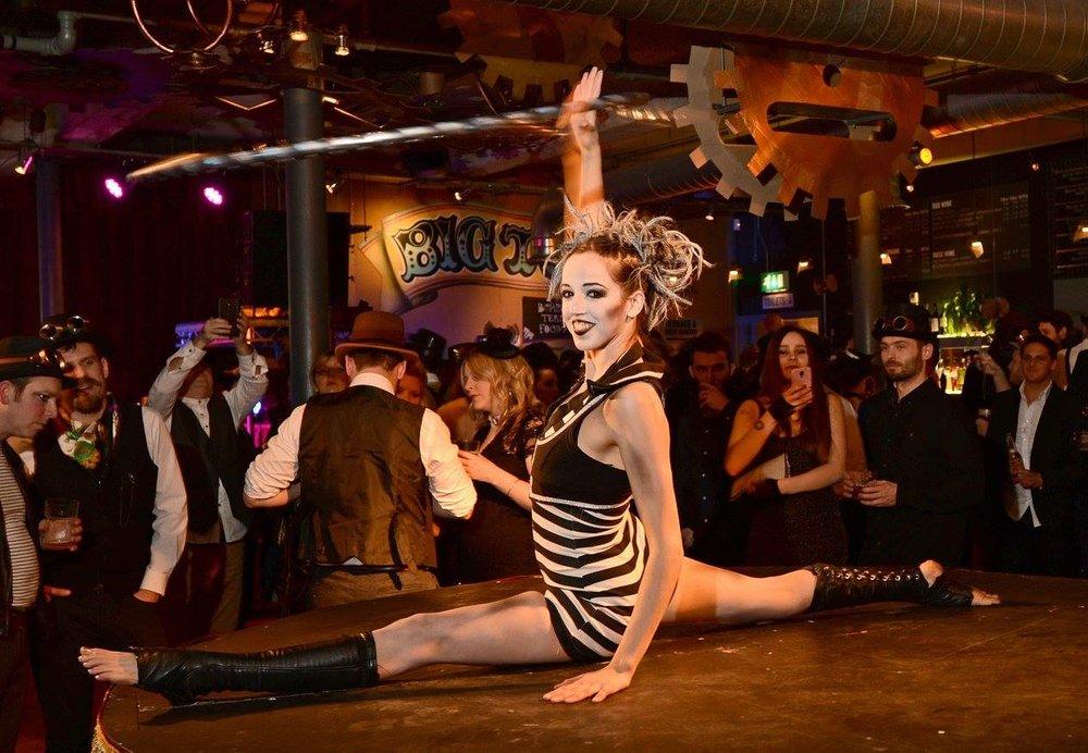 2015.12.31 Cirque Bijou NYE Hulla Hoop podium.jpg