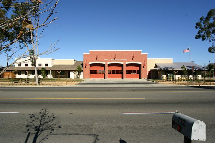 Ground up project consisted of 25,000 sq. ft. fire station with three bays, offices, sleeping quarters, kitchen, locker room, storage rooms, and extensive landscaping. The project is only a portion of a contract to build a full community park and fire station.