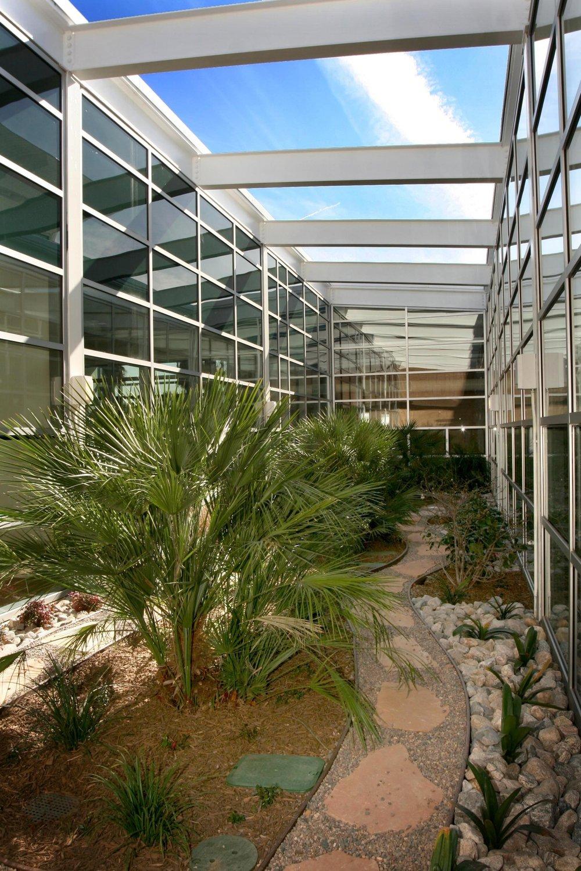Casa_Blanca_Resource_Center_Garden