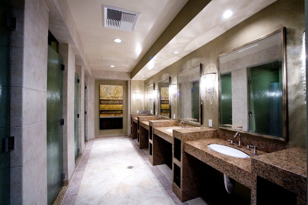Pacific_Palms_Hotel_Restroom