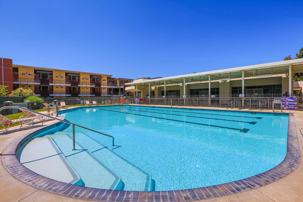 Pitzer_Gold_Center_Pool2