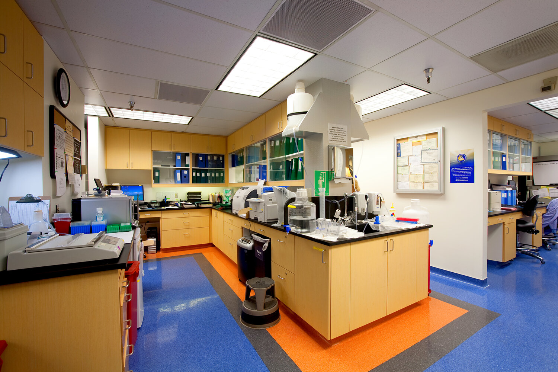 Cedars-Sinai Medical Center Steven Spielberg Immunology Lab