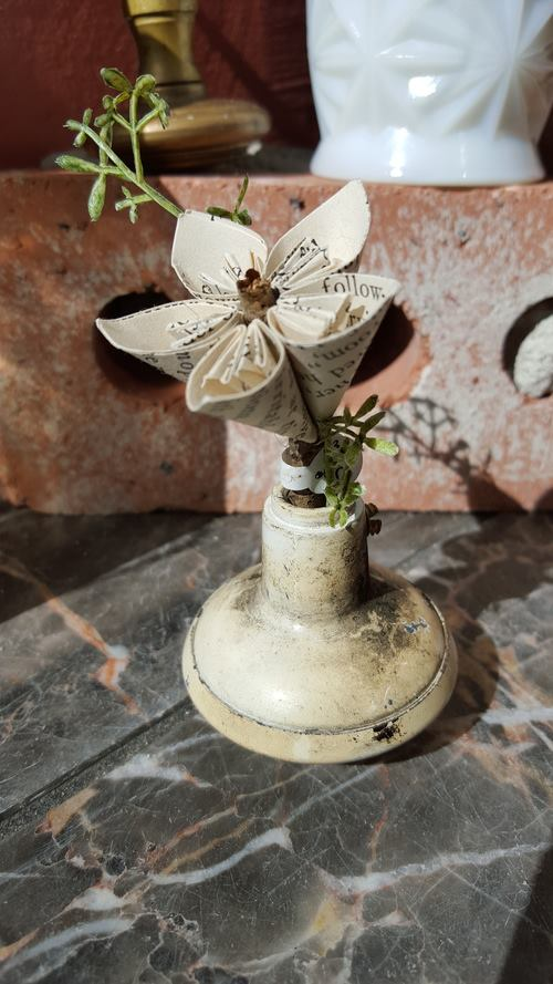 white knob book flower.jpg