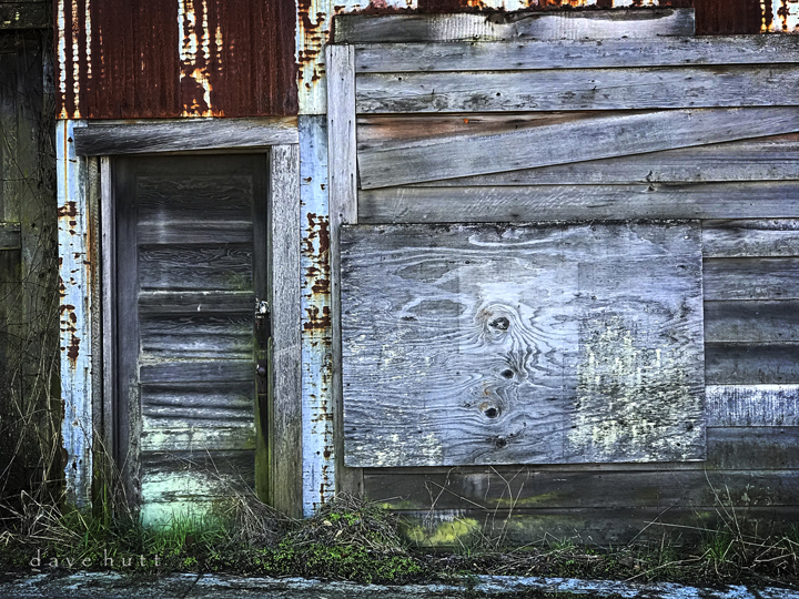 Old boathouse in Cathlamet, Washington.   2018