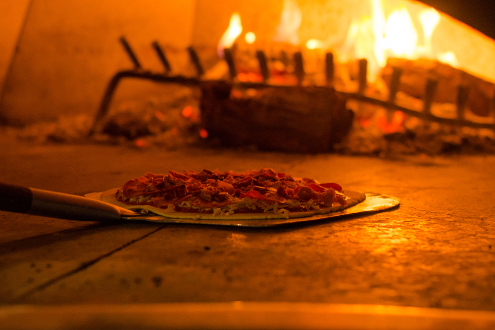 Bohemian PIZZA oven1.jpg
