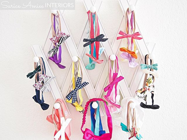 This accordion hook rack from @thelandofnod is perfect for baby girl's ever growing bow collection!! Only 1.5 weeks to go! 😍😊 #landofnod #girlnursery #bow #bows #bowstorage #hairbow #hairbows #wearfreebabes #modernpiggy #emerooshop #londonandlulu #projectnursery #colorshare #nurserydecor
