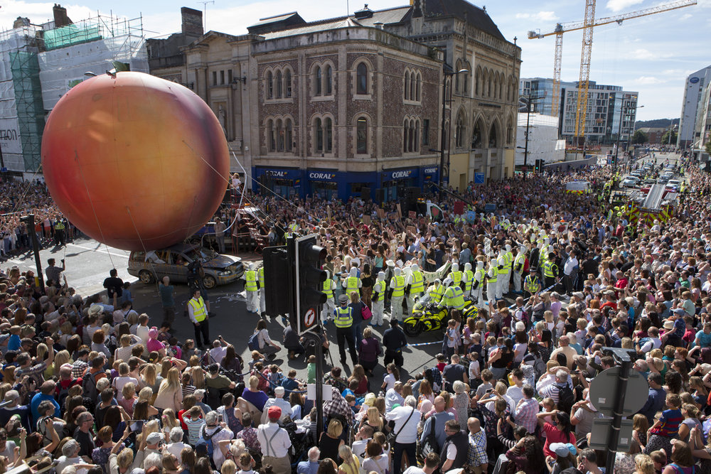 A Giant Peach appeared in Cardiff City Centre as part of ROALD DAHL'S CITY OF THE UNEXPECTED presented by Wales Millennium Centre and National Theatre Wales. Photography by Dan Green.jpg