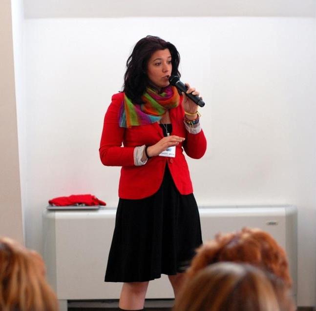 Contact - Hai să vorbim despre… / Let's talk about…- comunicare / communication- training - prezentator la evenimente / MC for events- vorbit în public / public speakingana.marin@gmail.com
