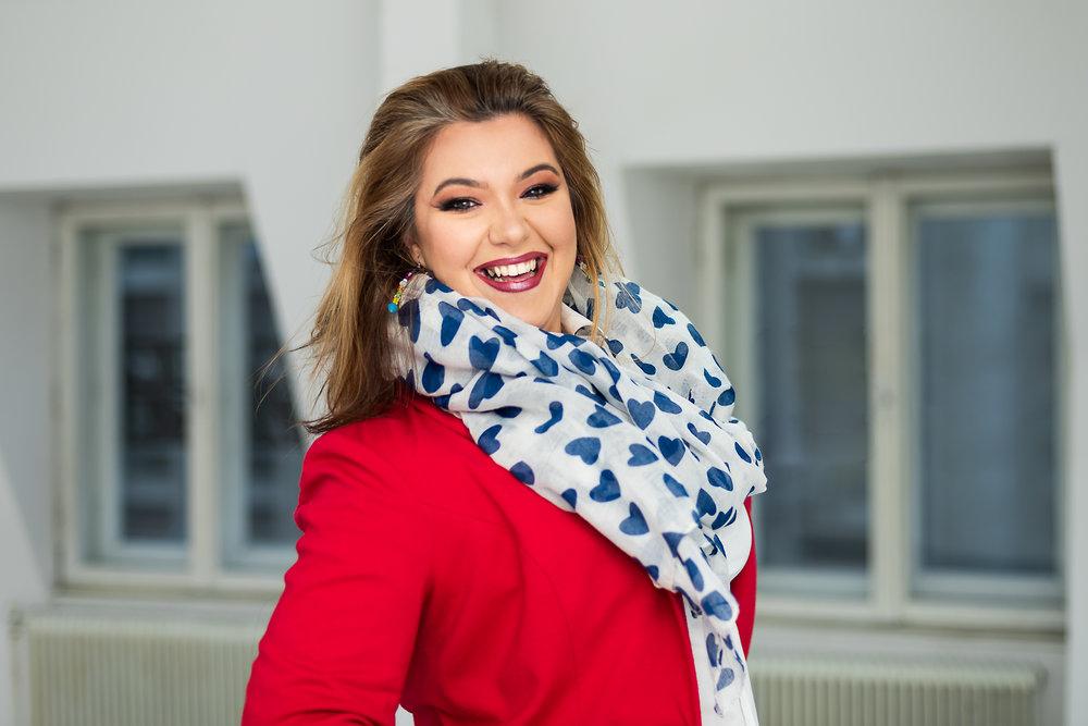 Speaker, trainer, blogger, communicator Ana M. Marin
