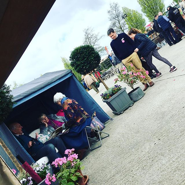 Enjoying The Yorkshire Swing Seat stand at the Harrogate Flower Show 🌷 #garden #harrogatespringflowershow #theyorkshireswingseatcompany#garden #spring