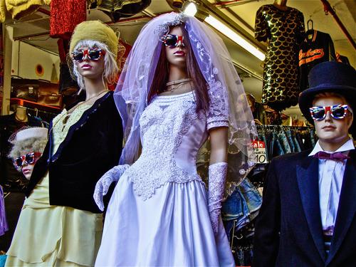 mannequin+wedding.jpg