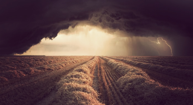 storm_over_field