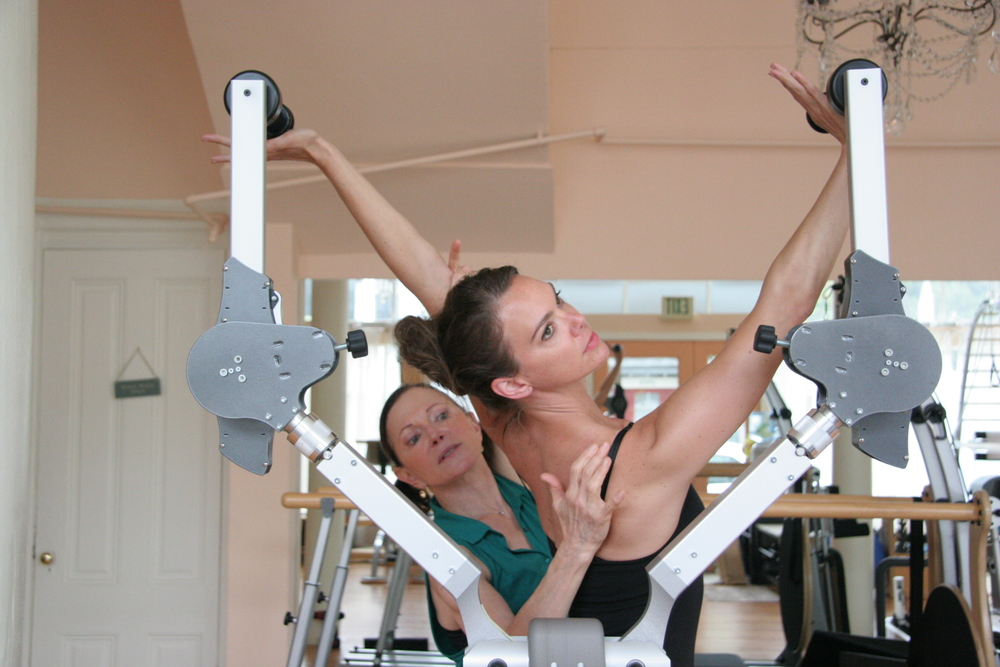 Teaching Julie Toren on the Gyrotoner