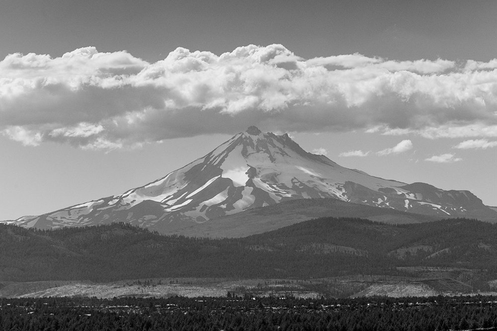 Mt. Jefferson with Clouds.2017. Canon 5DSr.