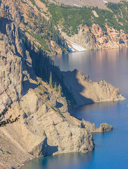 Cliffs and Lake. Crater Lake. 2017. Canon 5DSr.