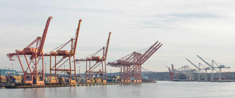 Cranes. Seattle Waterfront. WA. 2017 Canon 5DSr.