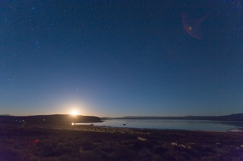 moonrise-mono-lake.jpg