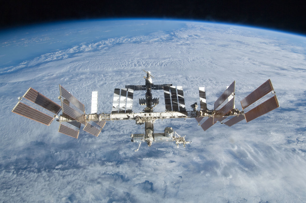 sts-128_iss_separation_01.jpg