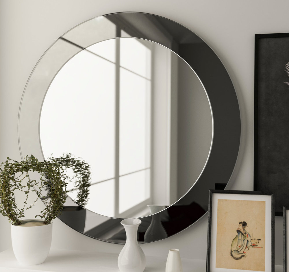 Black Round mirror in Cottage