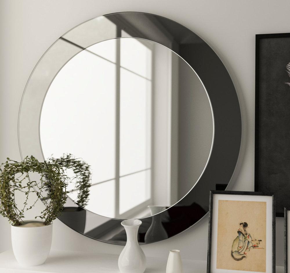 Black Round mirror in Cottage