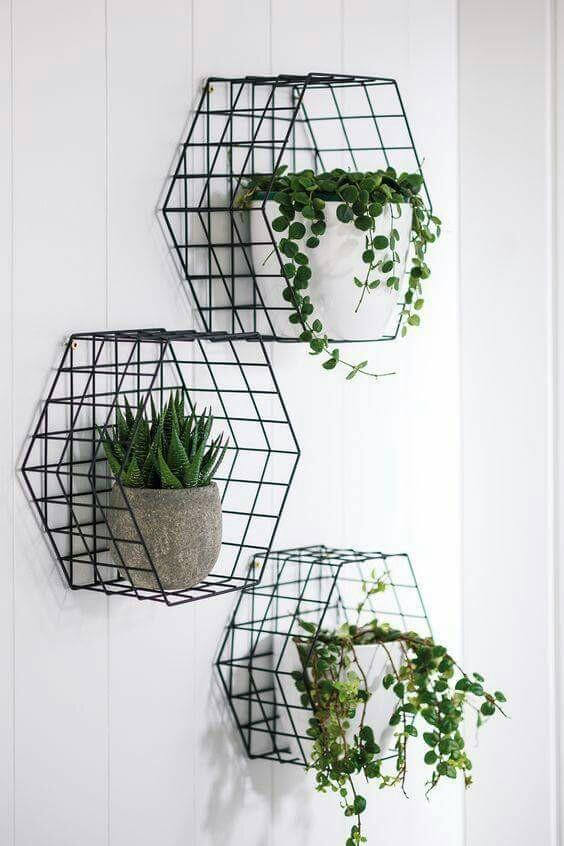 Set of metal planters