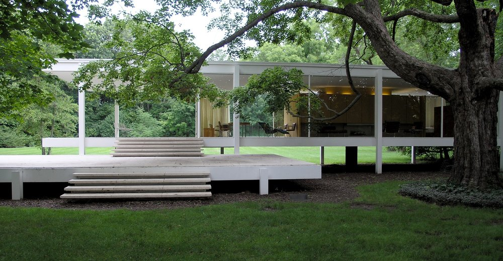 T  he Farnsworth House , A Classic MCM home