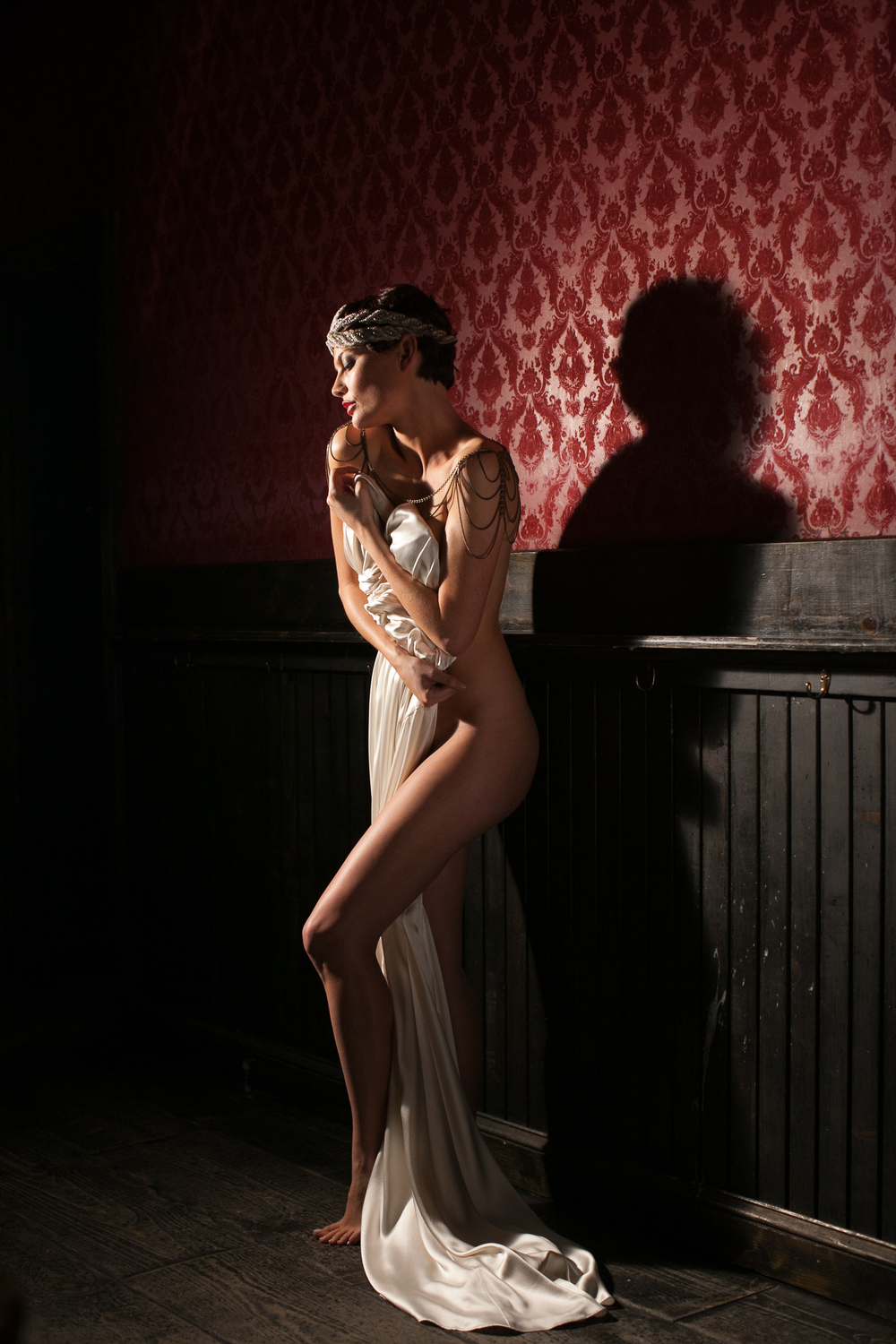 Inspired by fashion and raw expression, Jennifer Skog's boudoir photography evokes realism, seduction and the unexpected. Available Worldwide.  www.jenniferskogboudoir.com