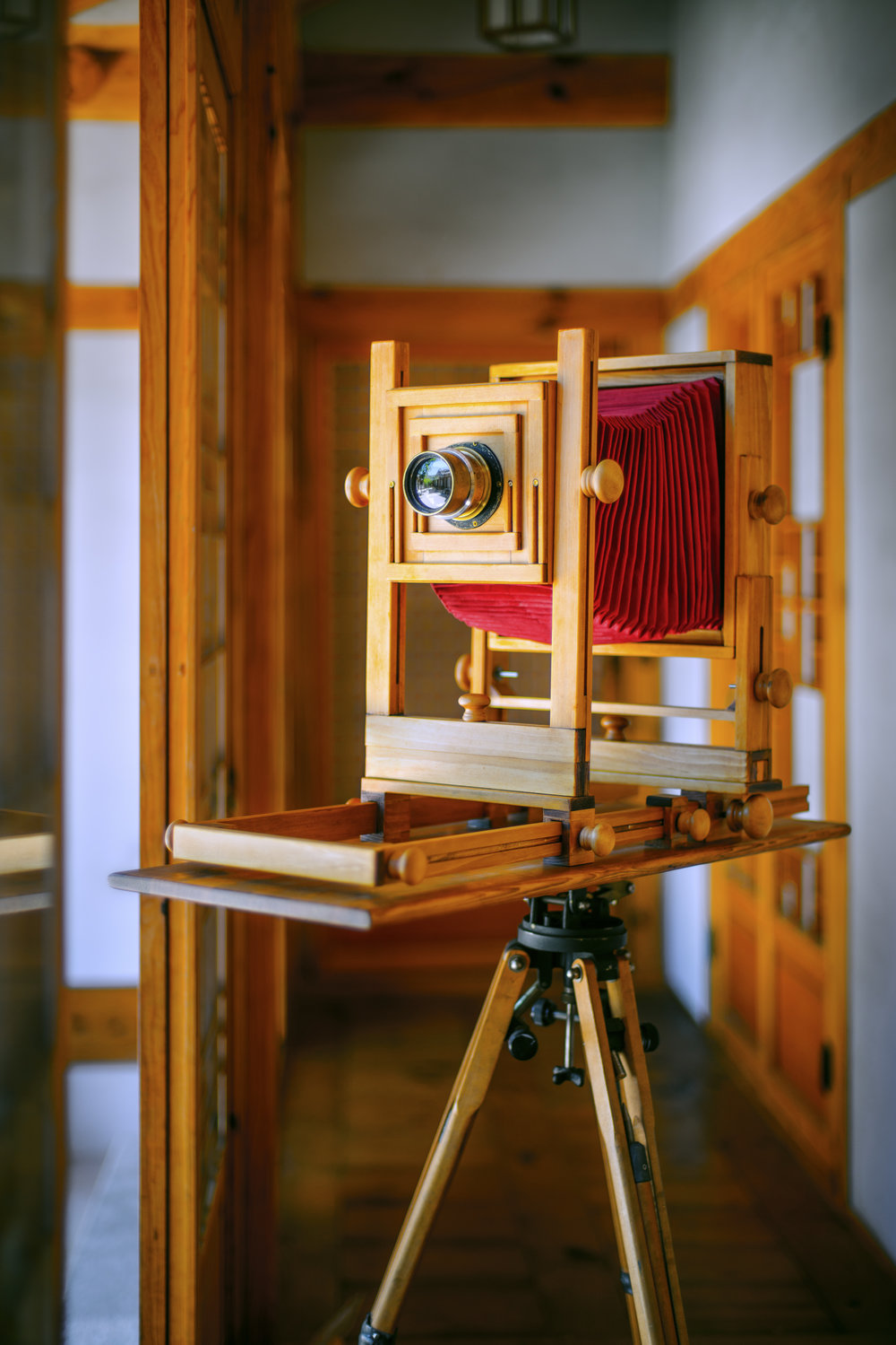 自作摺り漆大判カメラ