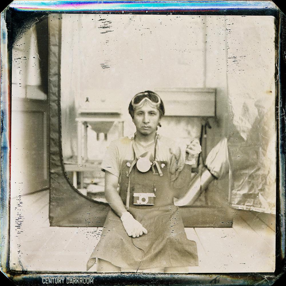 "Daguerreotype (다게레오타입)   The resistance to ""Oblivion Terror"" 다게레오타입이란, 1839년에 발명된 빛과 렌즈, 그리고 감광성물질의 화학적 작용으로 만들어진 상을 반영구적으로 정착시킬 수 있게 된, 즉 세계 최초의 실용적인... 더 보기"