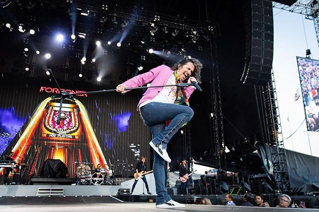In his element @kellyhansenrocks on stage in San Francisco. @foreignerlive  #karstenstaigerphotography