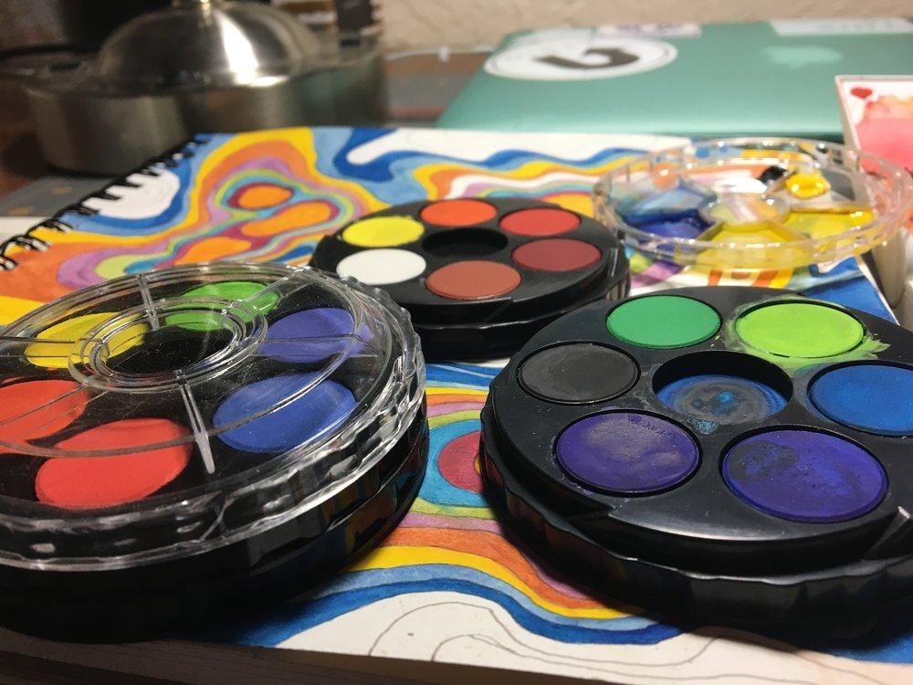 Art Advantage 12 color compact