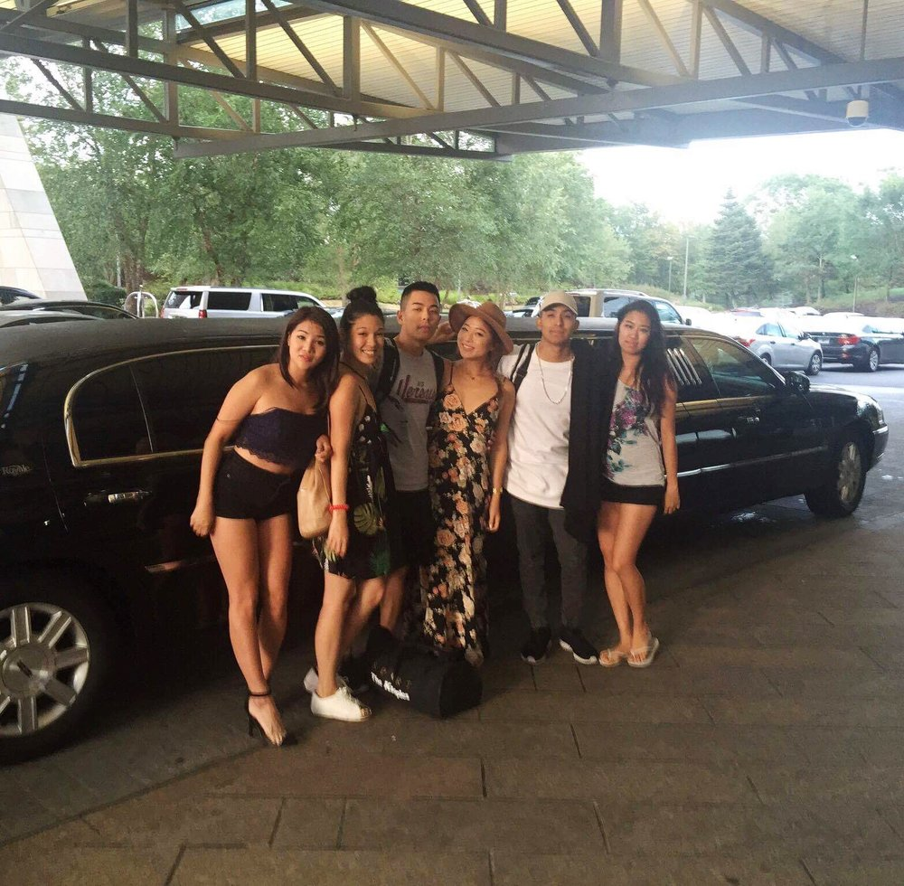 Mohegan Sun, the casino where we performed, offers a limo-ride service :O