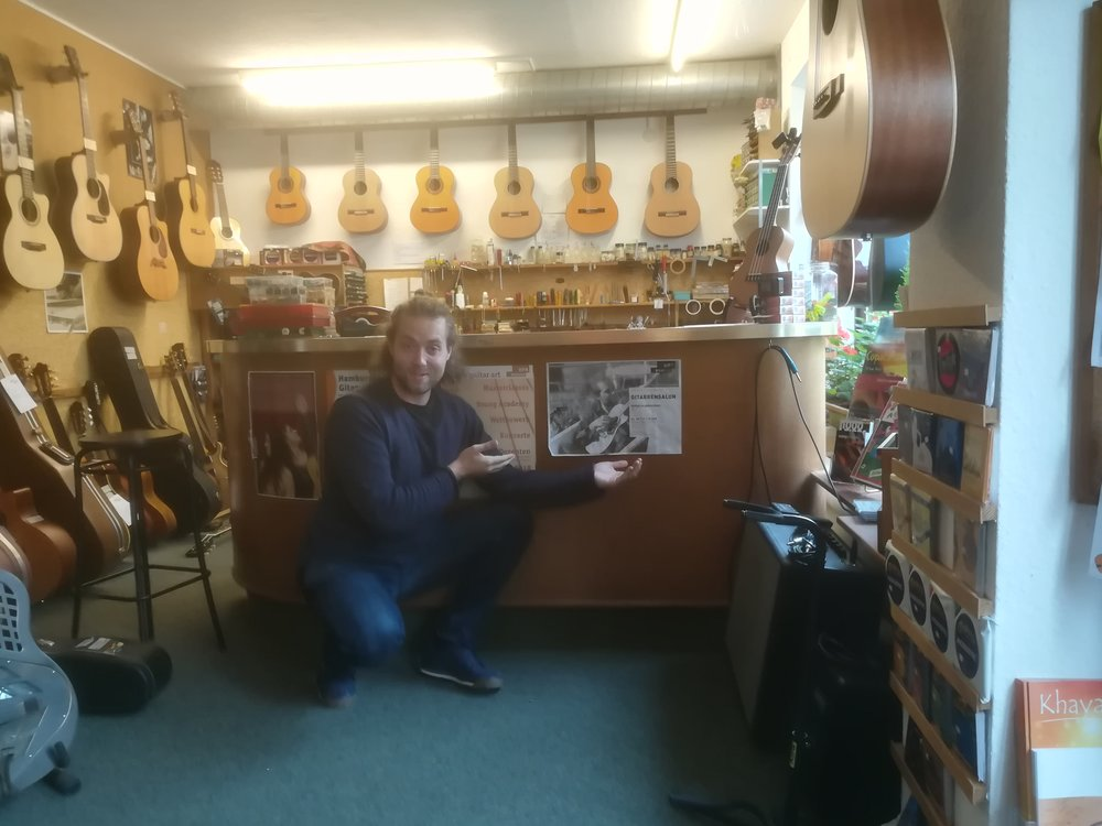 This Guitar Shop in Bremen had my poster!