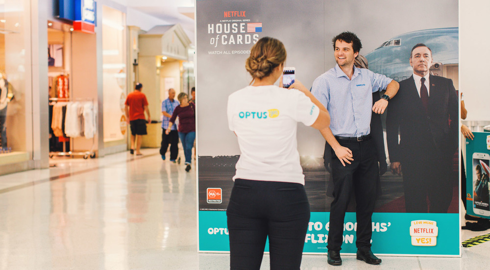 Optus & Netflix worked with NOW to launch the new Samsung Galaxy S6 in Westfields across Australia! We travelled around Sydney to Brisbane, Melbourne, Adelaide and Perth! Using the new phone, staff took photo of fans in front of a double sided photo wall featuring House of Cards and Frozen.