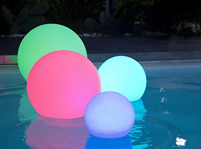 boule-lumineuse-multicolore-autonome-a-led-d40cm.jpg
