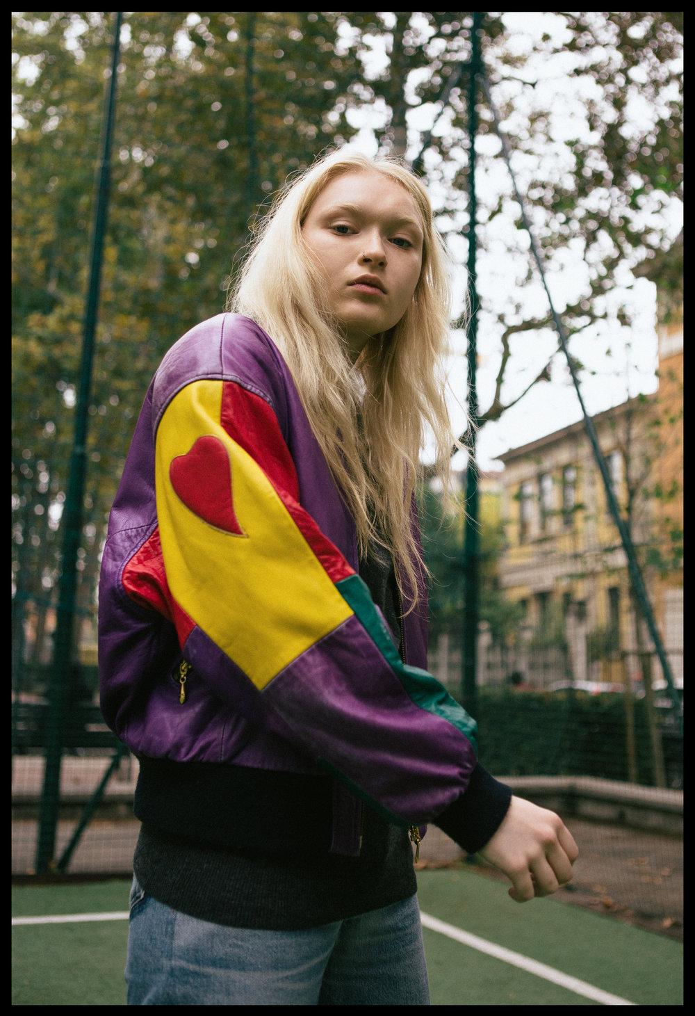 jacket VINTAGE, jumper LACOSTE, jeans RE/DONE LEVI'S