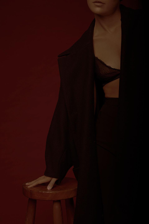 coat HENRIK VIBSKOV, bra COS,trousers & OTHER STORIES