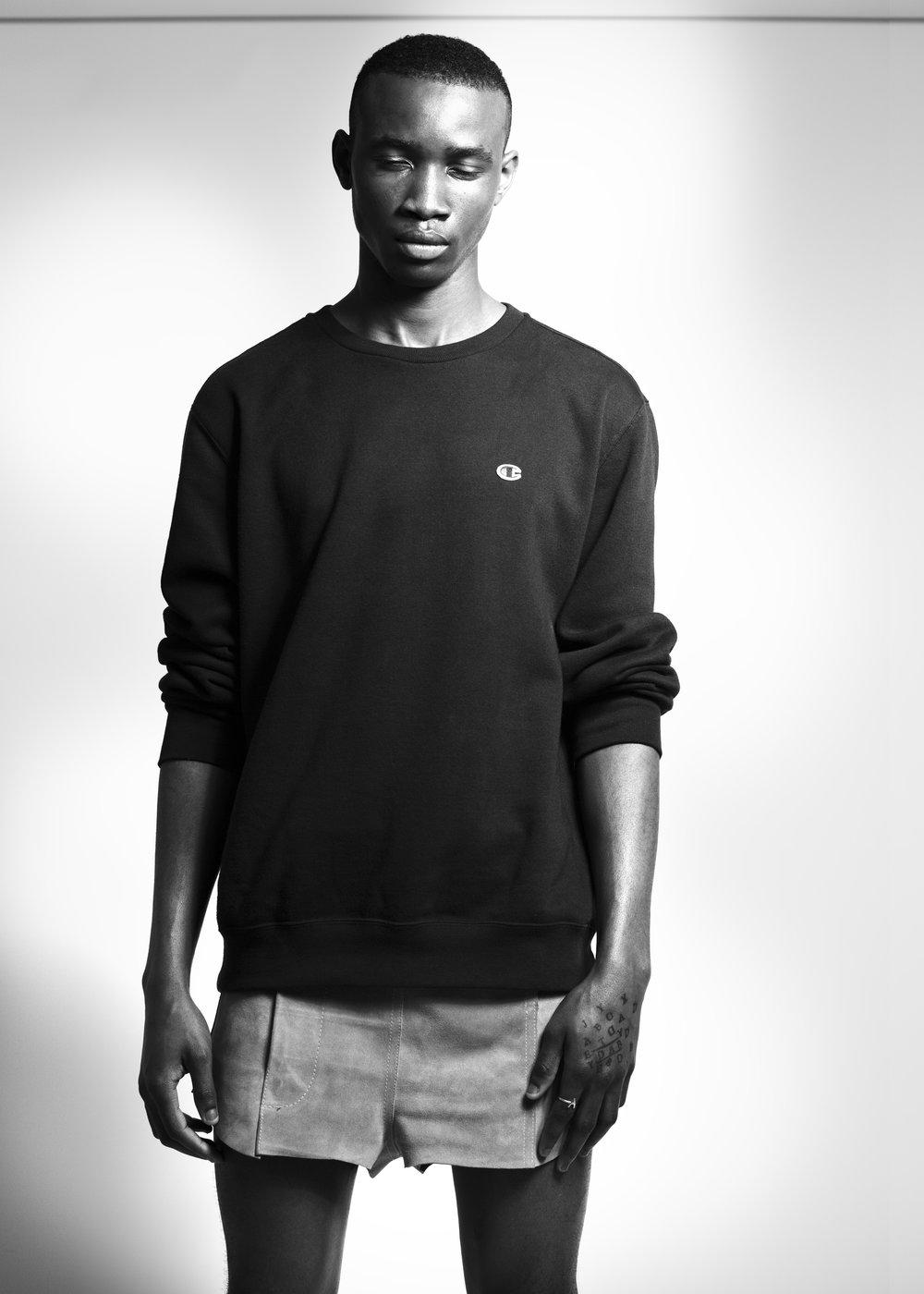 sweatshirt CHAMPION, shorts MALIN DELIN