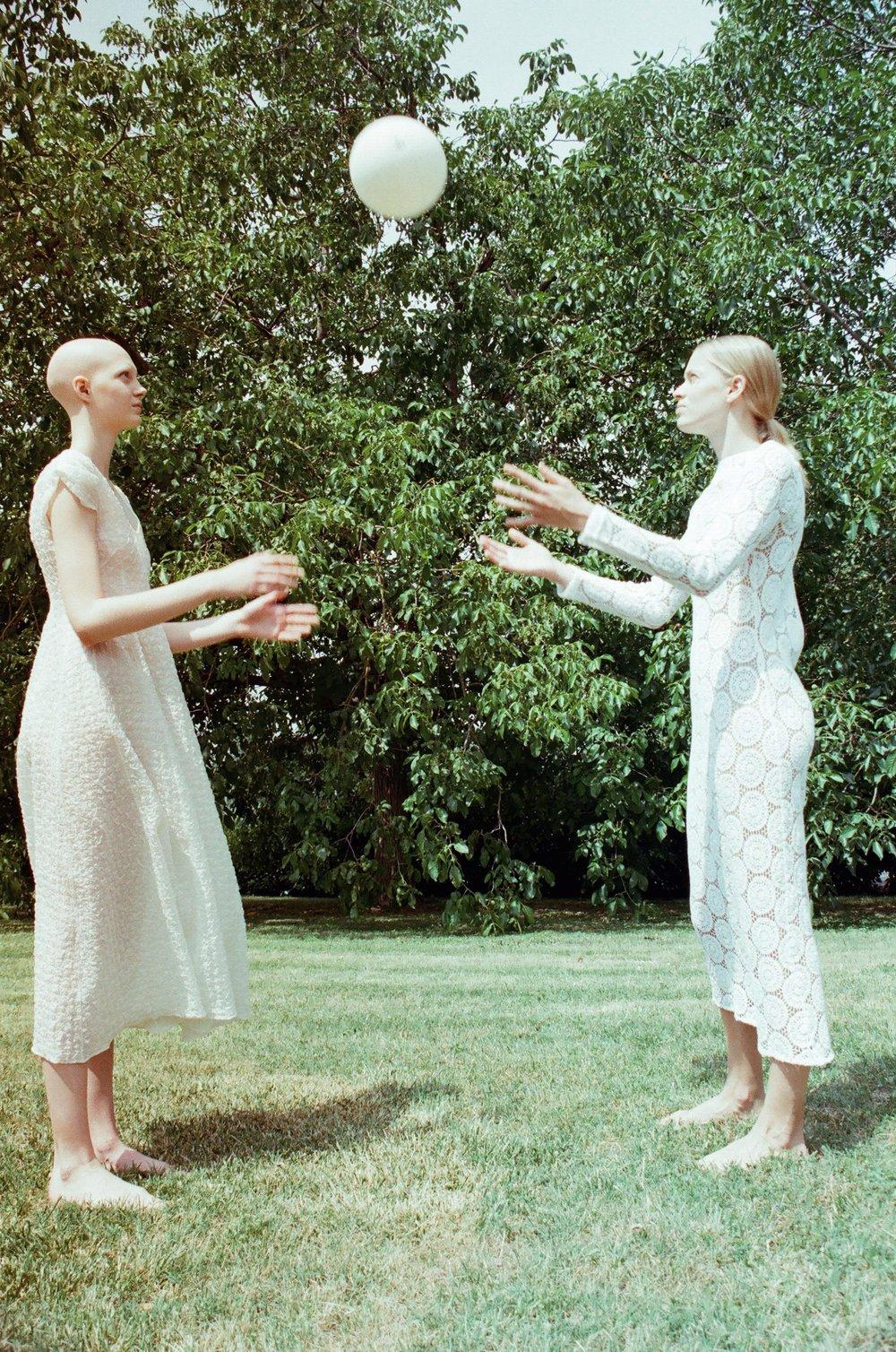 ANA WEARS DRESS DANIELA DEL CIMA, LAURA WEARS DRESS PHILOSOPHY
