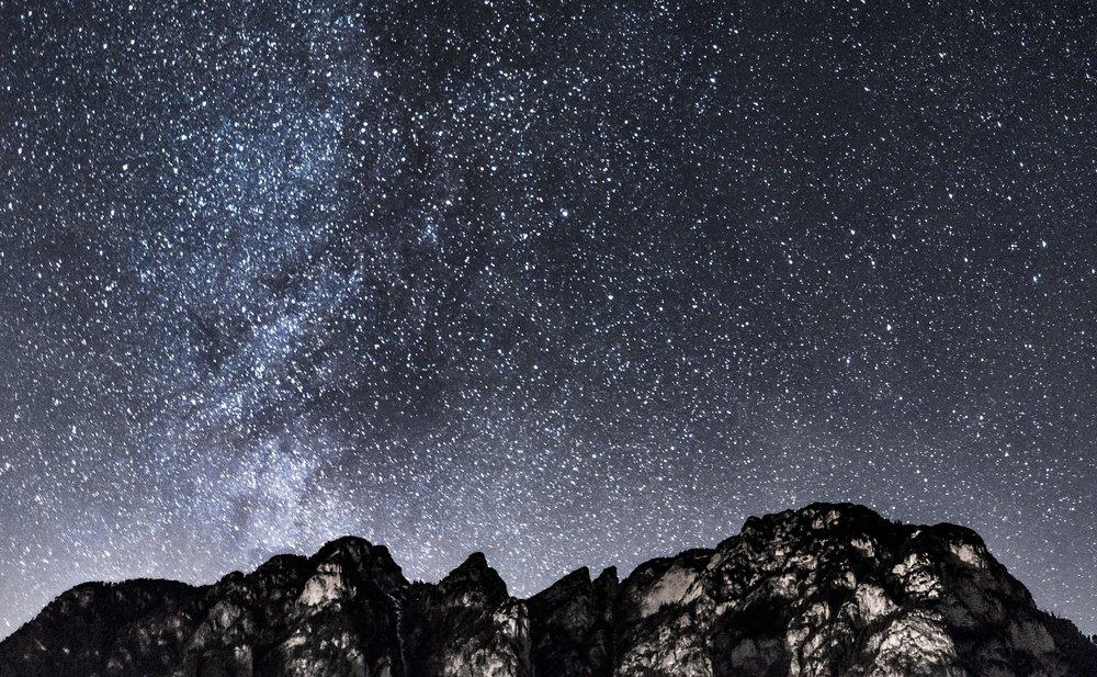astrologie-astronomie-berg-761394.jpg