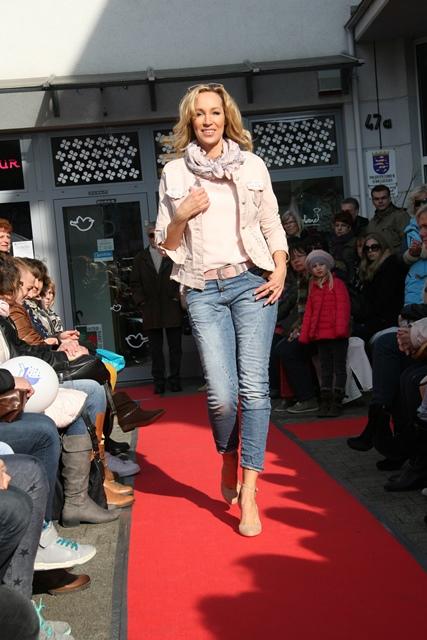 Modenschau_Bruchköbel_jeans.jpg