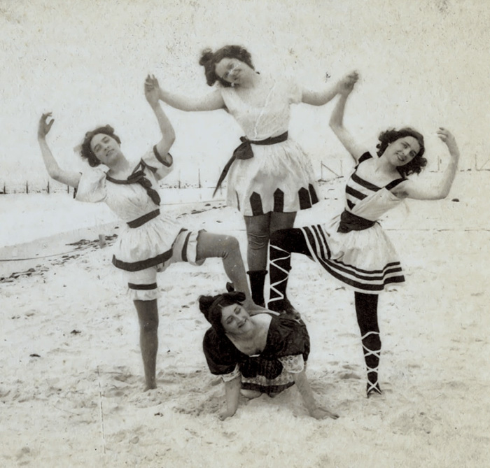 funny-victorian-era-photos-silly-vintage-photography-1-575124eed457b__700.jpg