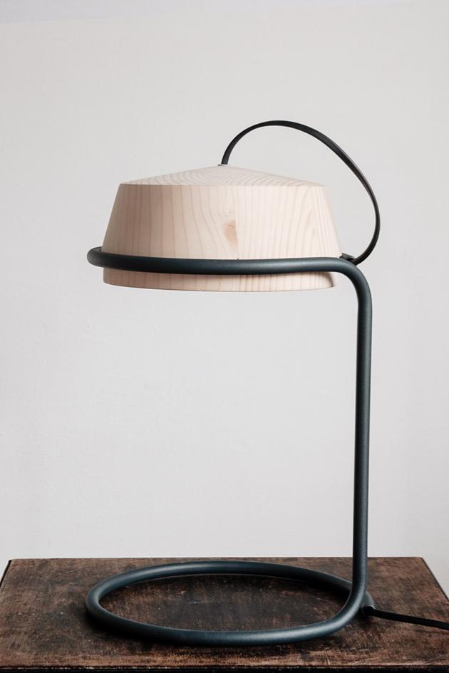 PUMPAL WOODEN DESK LAMP — rrrub