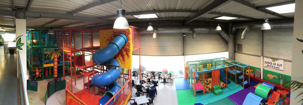 The amazing PAPOO'S - a wonderful soft play area owned and run by Emilie's mum!