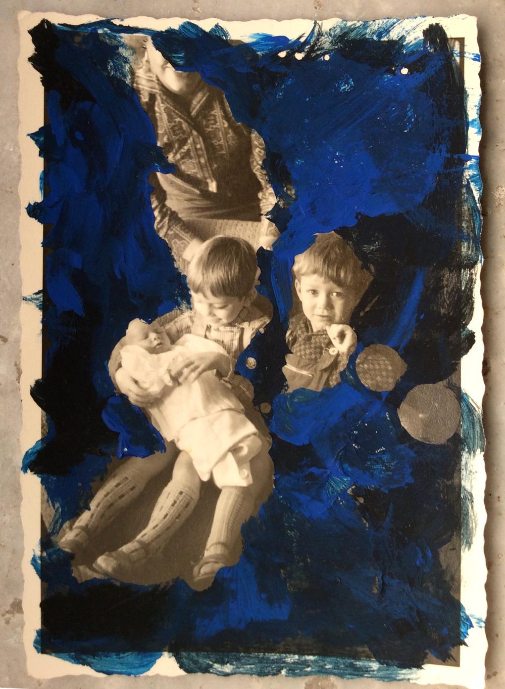 slowartday :   Rossana Taormina, Blu #4, 2014  (tecnica mista su vecchia foto, cm 10 x 7)   http://rossanataormina.tumblr.com/