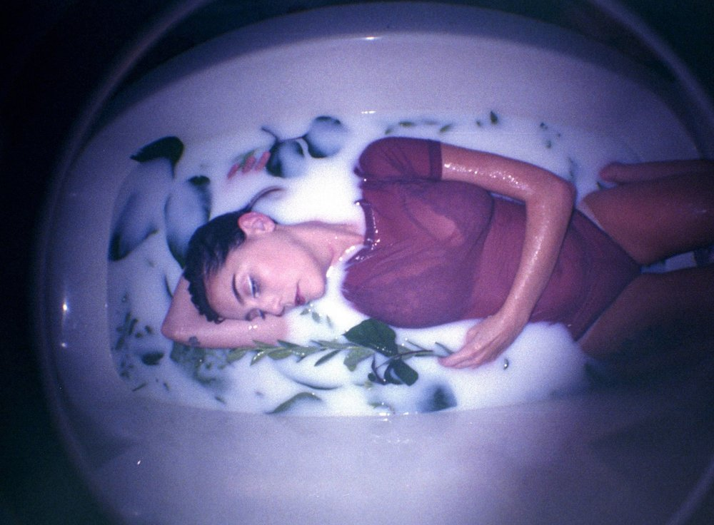 Film Milk Bath Boudoir